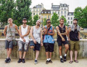 Alaclair Ensemble tourne un clip en France dans un court de basket coloré