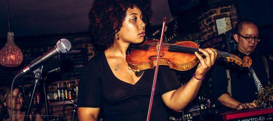 La rappeuse Kayiri rend un vibrant hommage à Prodigy au violon