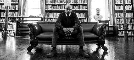 Webster signe un texte contre le racisme dans un nouveau livre à sortir en janvier 2019