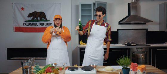 Caballero et JeanJass nous apprennent à faire un tortillas au pot avec VICE