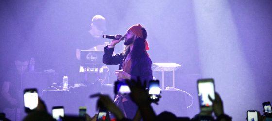 «Quand les rappeurs français viennent ici, ils parlent tous de 5sang14», de dire le bookeur Kosa World