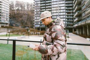 Le rappeur montréalais Jibré signe une entente avec BBT Wreck-Hurdz