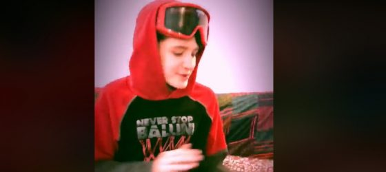 Le fils de Suspek-T se prête au #CPASPOURLESDOUX rap challenge et c'est génial