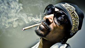 Snoop Dogg poursuivi par les Maple Leafs pour son entreprise de cannabis