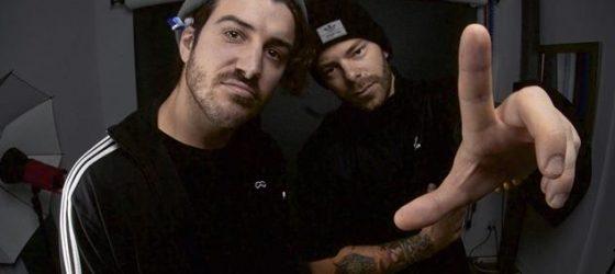 Adamo et Gros Big décrochent un contrat de distribution avec la compagnie de disques Kartel Musik Inc.