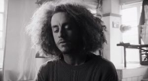 Avec son nouveau clip, Robert Nelson confirme qu'il est le «roé» du rap québécois