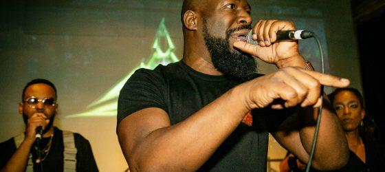 Dramatik célèbre son 45ème anniversaire avec un clip qui retrace l'histoire du rap