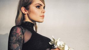 Coeur de Pirate reprend «Femme Like You» de K.Maro