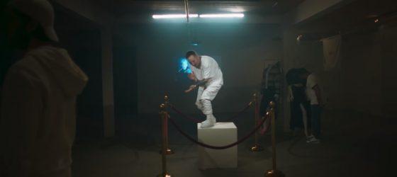 Lary Kidd s'invite au musée pour le premier vidéoclip de son prochain album