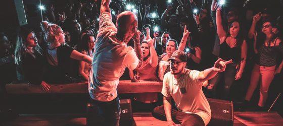 Souldia interrompt son spectacle pour défendre un fan face à un agent de sécurité