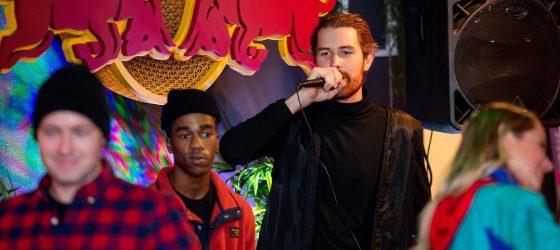 Louis d'Occupation Double est un ancien rappeur : un vieux clip a refait surface et l'Internet s'en moque