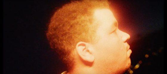 Le trio père-fils Brown Family est de retour avec un premier clip de son prochain album