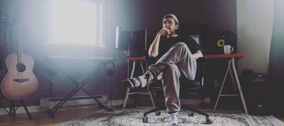 Le rappeur Jay Scøtt lance une première chanson d'une longue série acoustique
