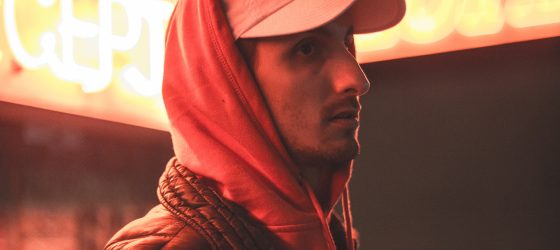 Un ex-rappeur québécois devenu beatmaker s'illustre dans les charts au Royaume-Uni