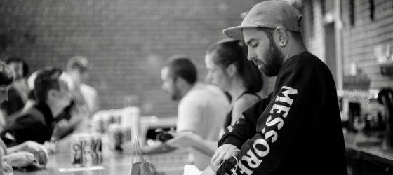 La microbrasserie Messorem lance une bière à l'effigie du duo hip-hop La Carabine
