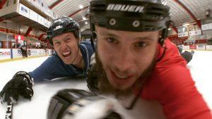 Smitty Bacalley et Mori$$ Regal rendent hommage à Wayne Gretzky dans un clip complètement déjanté