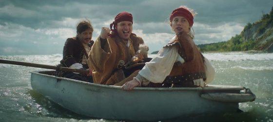 FouKi devient pirate des mers le temps d'un nouveau vidéoclip