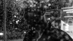 Si t'écoutes mon coeur, t'entends la pluie battante, rappe Rymz sur un nouveau projet solo