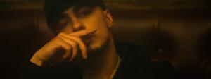 White-B demeure «Infréquentable» dans le troisième vidéoclip de «Double Vision»