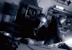 Lary Kidd confirme la sortie de son projet «Le poids des livres»