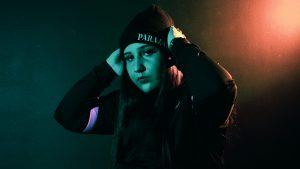 Avec «C'est Live», la rappeuse montréalaise Parazar envoie son premier projet en carrière